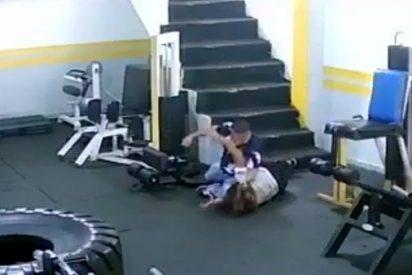 Un fisiculturista da una brutal golpiza a su expareja por no volver con él