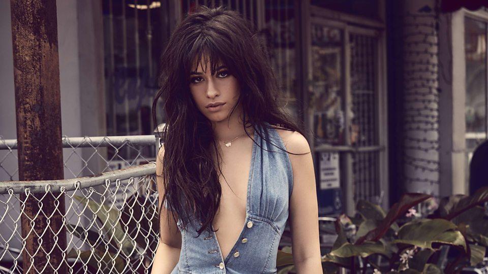 Foto: La cantante Camila Cabello reta a Venus y posa con poca ropa en su Olimpo