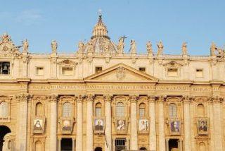 Francisco anunciará este lunes que visitará la tumba de Romero el próximo mes de enero