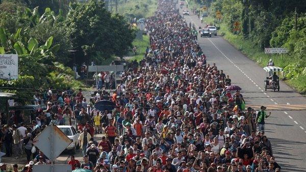 Estados Unidos envía sus tropas a la frontera con México para frenar a la caravana migrante