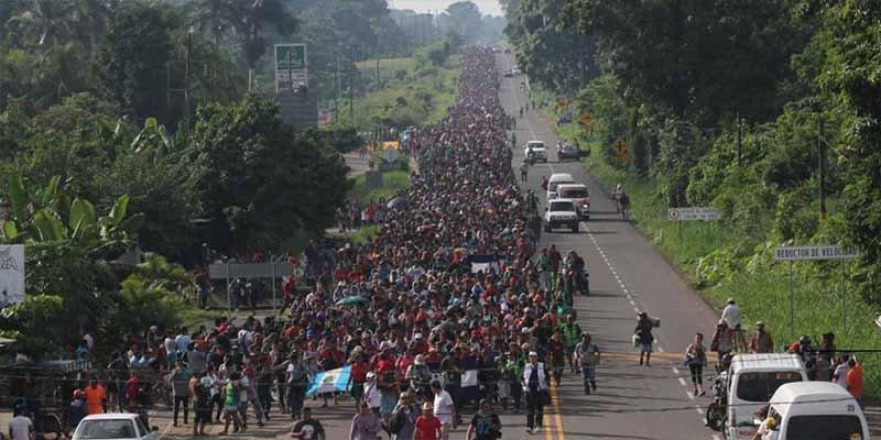 Trump vuelve a amenazar a la caravana de migrantes: Si llegan, declararé el Estado de Emergencia en la frontera Sur