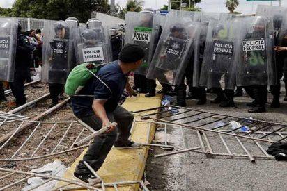 El tirano Maduro, que ha mandado al exilio a 2 millones de venezolanos, pide a Trump que abra su frontera a la caravana de hondureños