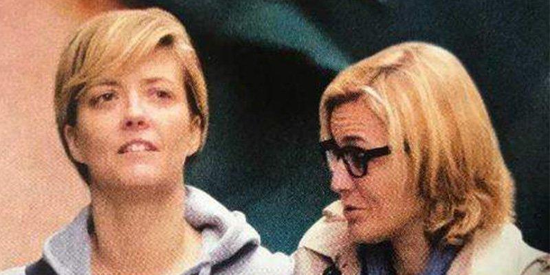 Los paparazzi pillan a María Casado paseando muy agarrada por Madrid con la abogada Natalia Marcos
