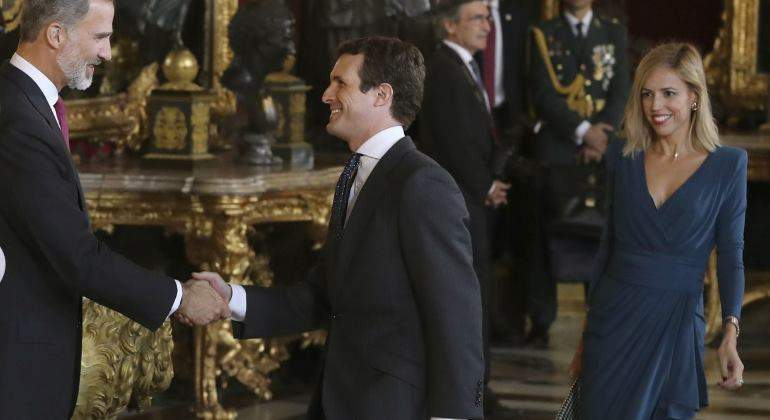 Alarma en Casa Real por otro desprecio de doña Letizia al PP: ahora contra Casado