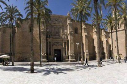 El Obispado de Almería a un grupo de 'trap' por grabar un videoclip en la Catedral