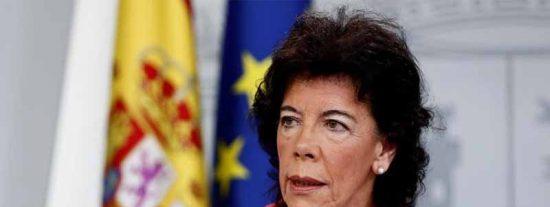 Twitter le pone orejas de burro a la ministra de Educación por sus rebuznos ortográficos