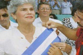 Silvio Báez elogia la figura de la expresidenta nicaragüense Violeta Chamorro