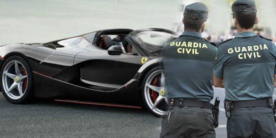 La Guardia Civil lanza esta advertencia a los conductores con coches de color negro