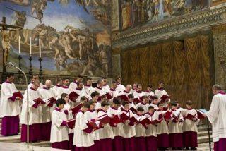 El Papa aparta al director del coro de la Capilla Sixtina por corrupción