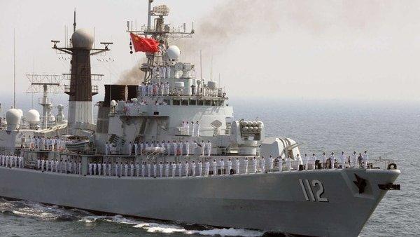 Tensión militar entre un destructor chino y un buque de guerra estadounidense