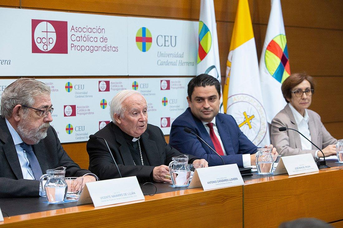 El cardenal Cañizares apela a la responsabilidad ante la emergencia educativa