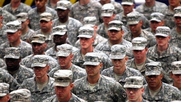 """Donald Trump moviliza 5.000 soldados para frenar """"la invasión"""" de la caravana migrante"""