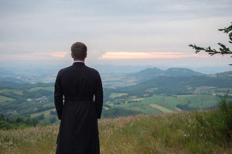 Curas casados alemanes piden a sus obispos que busquen la abolición del celibato obligatorio