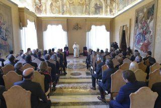 """El Papa lamenta la """"fuerte tendencia a la legalización de la eutanasia"""" en el mundo"""