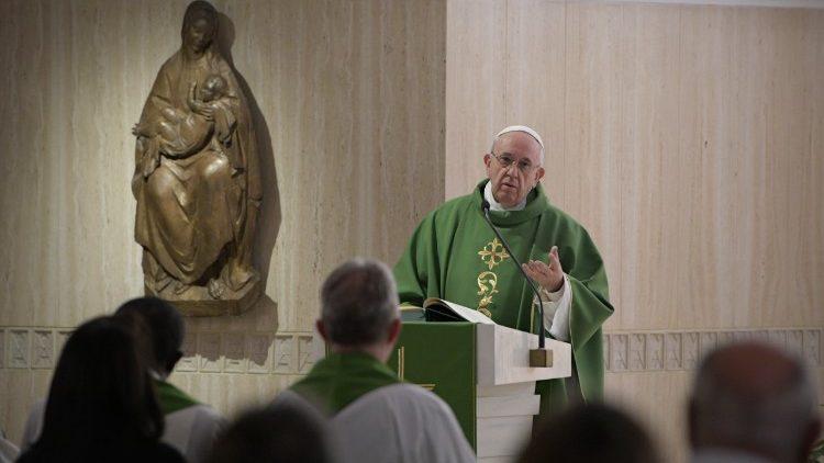 """Francisco advierte contra la """"hipocresía de los justos"""" que tienen """"miedo al amor de Jesús"""""""