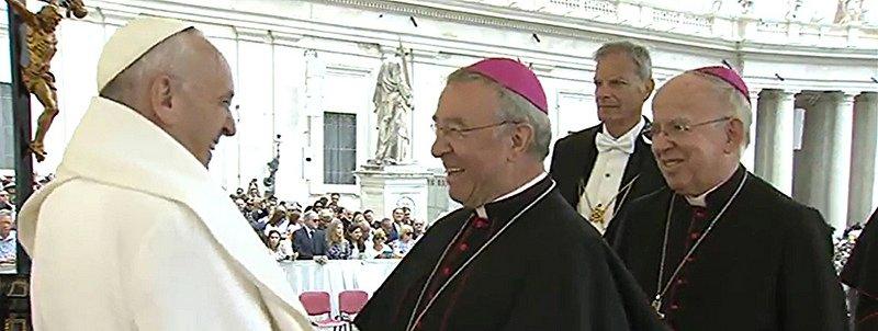 El obispo de Mallorca denuncia el complot de los rigoristas contra el Papa Francisco