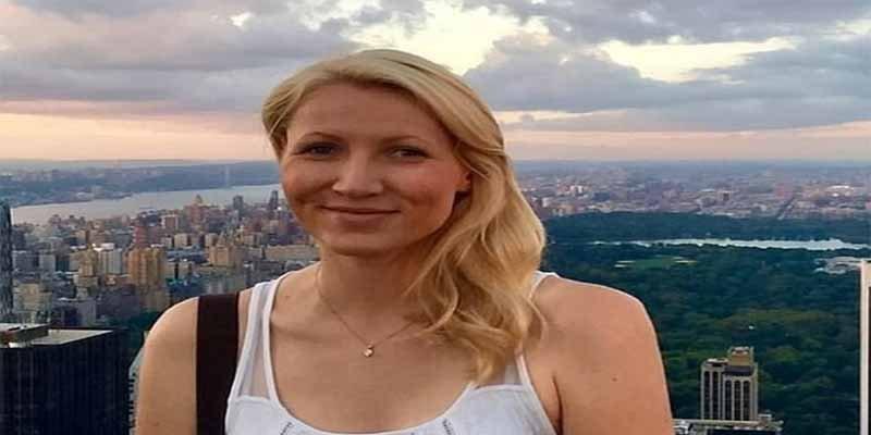 El exnovio de la profesora que fornicó en el avión con un alumno dice que era una pesadilla vivir con ella