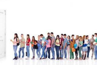 Se buscan 20.000 empleados 'temporales' para El Corte Inglés y Carrefour