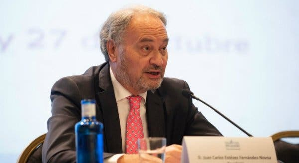 """Juan Carlos Estevez: """"Los procuradores debemos ser los primeros en adaptarnos a los cambios de la sociedad"""""""