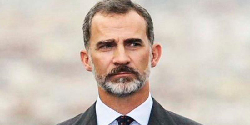 """Jordi Rosiñol Lorenzo: """"Atacar a la monarquía para desestabilizar España, o la venganza de un par de alcahuetes/as resentidos"""""""