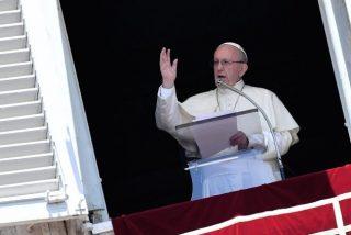 """El Papa pide una Iglesia """"que se incline a los pies de los últimos, para servirles con amor y sencillez"""""""