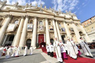 """""""Pablo VI y Romero son profetas de una Iglesia extrovertida que mira a los lejanos y cuida de los pobres"""""""