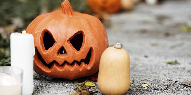 Esta decoración de Halloween que imita un accidente aéreo moviliza a los servicios de emergencias