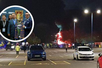 El helicóptero del dueño del Leicester se estrella y explota frente al estadio King Power