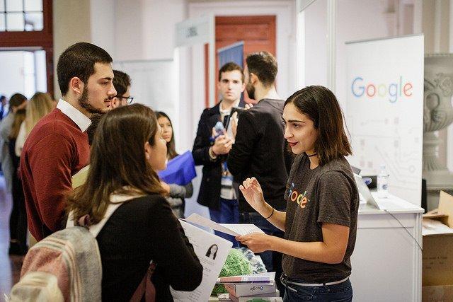 Más de 380 estudiantes de Deusto Business School se reúnen con 25 empresas multinacionales