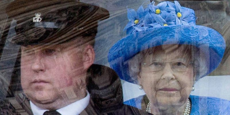 ¿Sabes por qué la reina Isabel II tendrá que abandonar el Palacio de Buckingham?