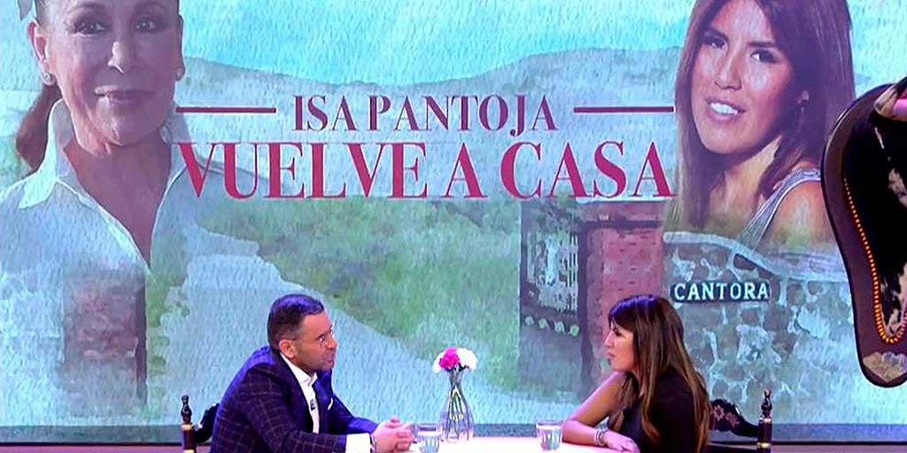 Isabel Pantoja, indignada con Telecinco por la puesta en escena de la entrevista a su hija