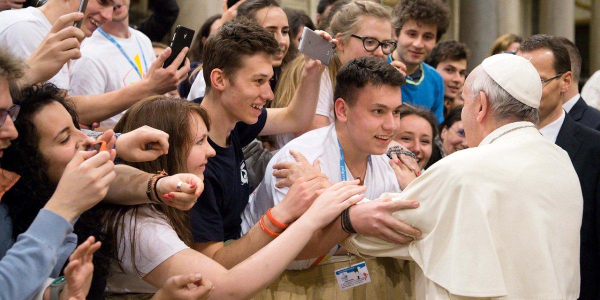 """El Papa pide a los jóvenes españoles """"perdón por los escándalos que ocurren dentro de la Iglesia"""""""