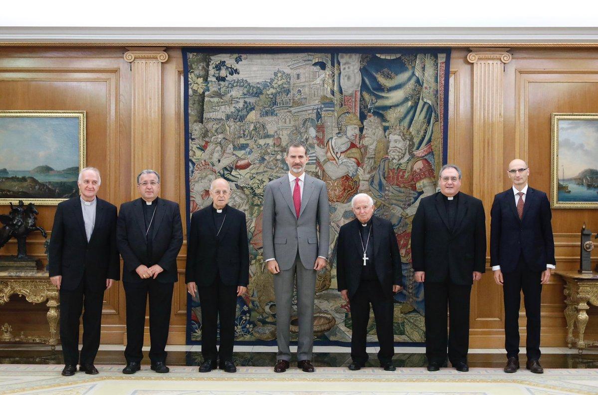 El Rey recibe a los organizadores del Congreso 'Iglesia en la sociedad democrática'
