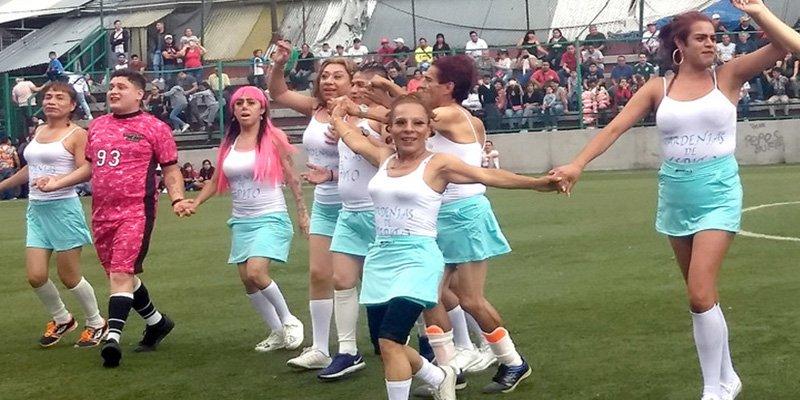 Así son Las Gardenias, el equipo de fútbol de travestis que busca cambiar la cara violenta de Tepito