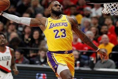 El espectacular show de Lebron James en su debut con los Lakers