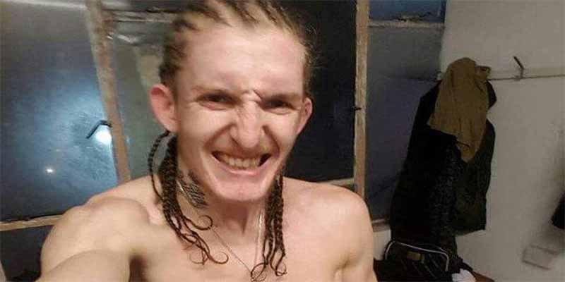 Un luchador de MMA se enfrenta a 8 atracadores armados y sobrevive