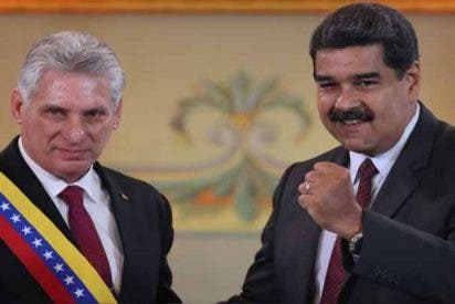 """El gobierno de Guaidó denuncia la llegada de nuevos médicos cubanos a Venezuela: """"Más inteligencia disfrazada"""""""