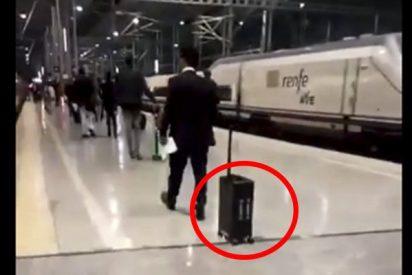 ¿Has visto lo que hace esta maleta de viaje?, vas a alucinar