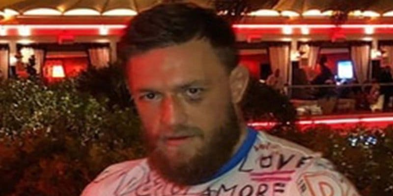 Esta es la primera imagen de Conor McGregor tras la paliza sufrida ante Khabib Nurmagomedov