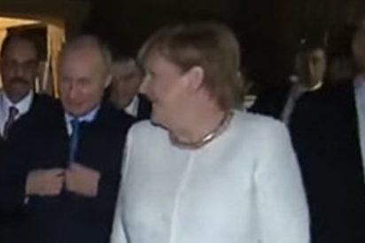 """Merkel pregunta en ruso a Putin sobre su """"abrigo siberiano"""""""