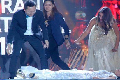 Así se desmaya Miss Paraguay al enterarse que es la ganadora de un concurso internacional