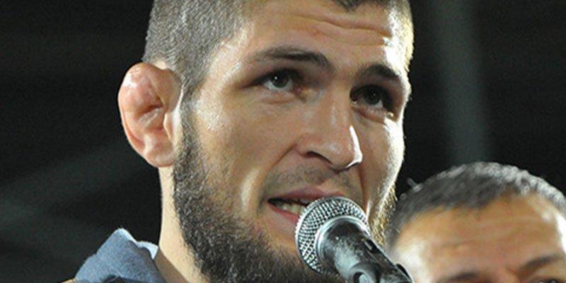 Nurmagomédov podría ser multado con 2 millones de dólares por la fea bronca tras la pelea con McGregor