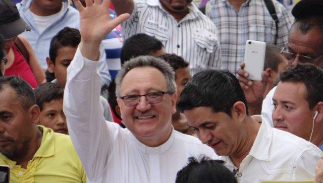 """El obispo de Jutiapa tilda el gobierno de Guatemala de """"ladrones, corruptos y narcos"""""""