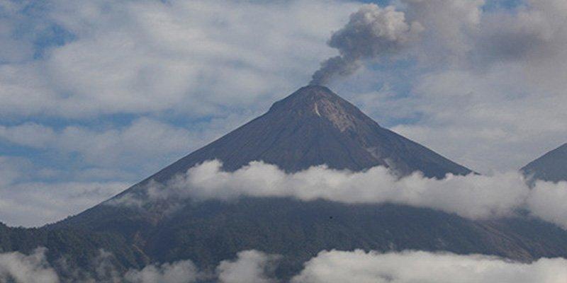 El Volcán de Fuego de Guatemala entra en erupción