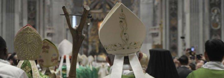 """Papa, en misa de clausura del Sínodo: """"Que el Señor bendiga nuestros pasos, para que podamos escuchar a los jóvenes"""""""