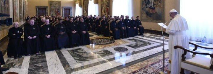 """El Papa, a los Pasionistas: """"La Iglesia hoy siente la llamada a salir de sí misma e ir a las periferias"""""""