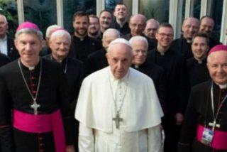 """Francisco tacha a los traficantes de personas de """"fascistas de guante blanco"""""""