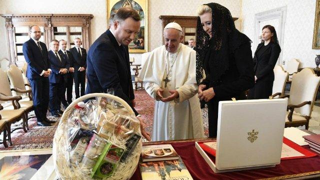 El Papa alaba la contribución de Polonia a la integración europea