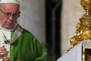 El Papa llora de alegría al anunciar la presencia en el Sínodo de dos obispos chinos