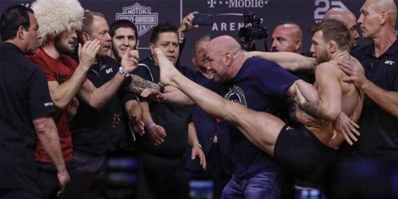 UFC 229: Conor McGregor soltó una patada a Khabib Nurmagomedov durante el pesaje